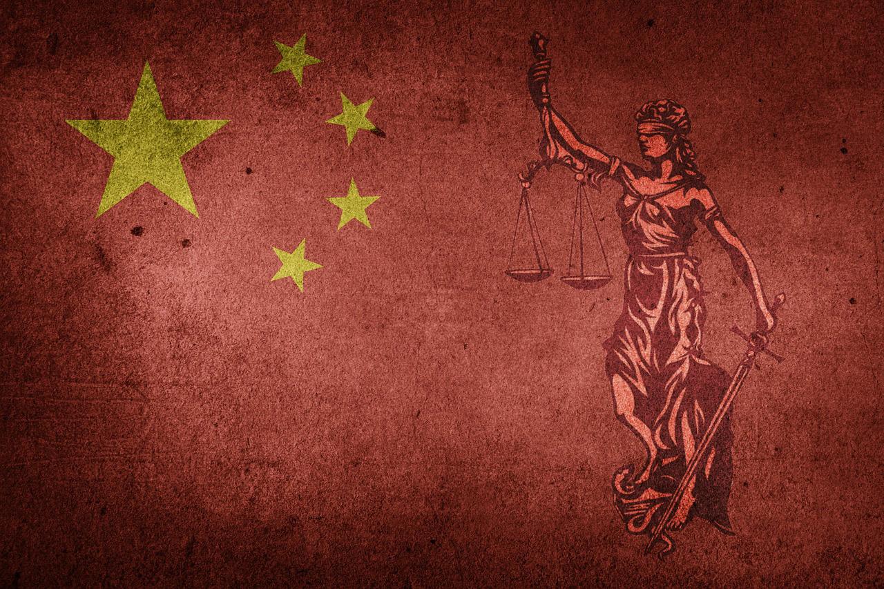 China-Flagge-Justitia