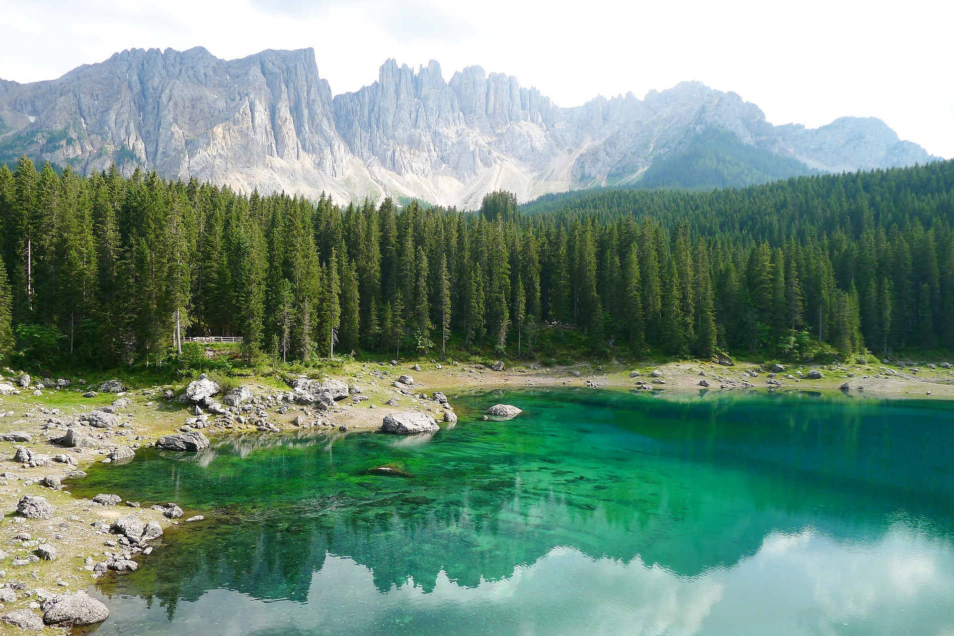 Suedtirol-Karersee-Dolomites