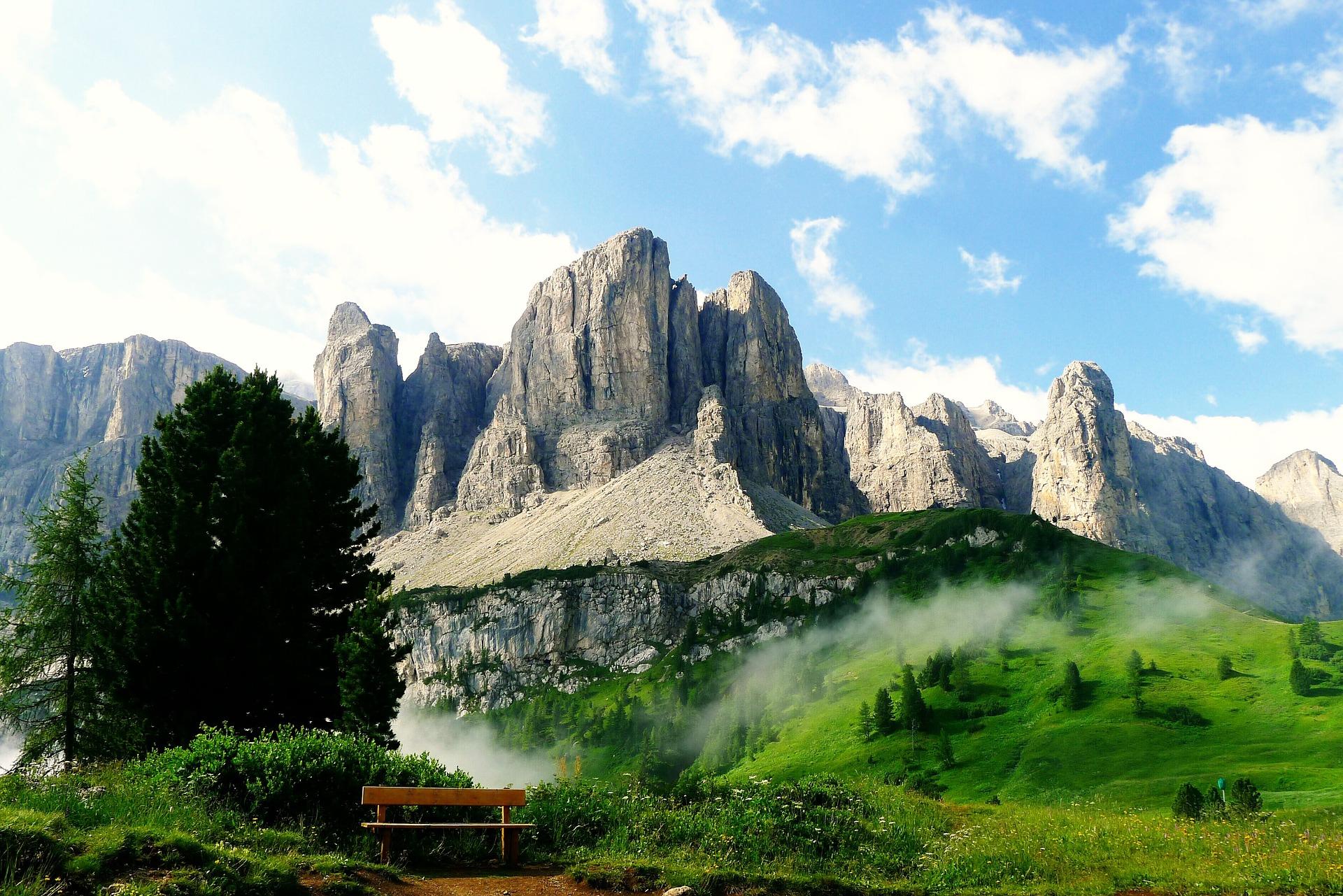 Suedtirol-Mountains-View