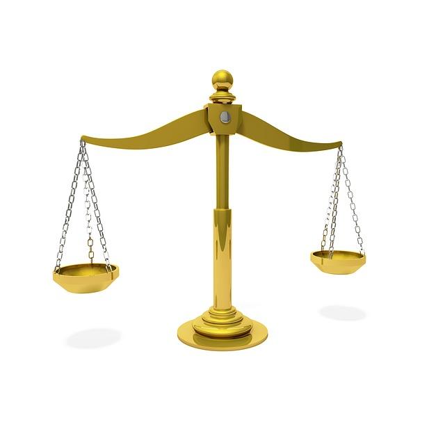 waage-gerechtigkeit-gericht-gebrauchsmuster-einstweilige Verfügung