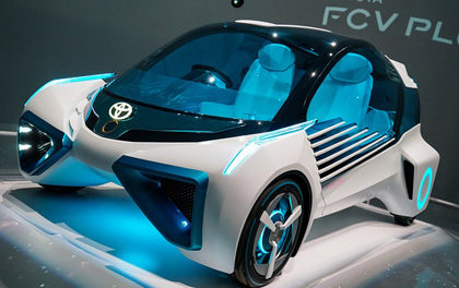 Toyota releases licenses for almost 24,000 hybrid patents